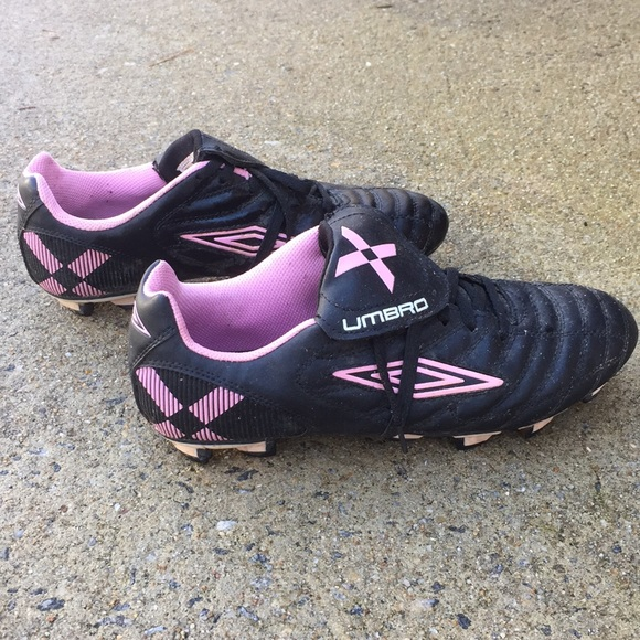 umbro womens soccer cleats